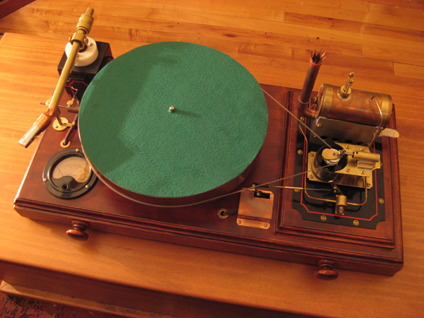 Kiwi genius invents steam-powered turntable