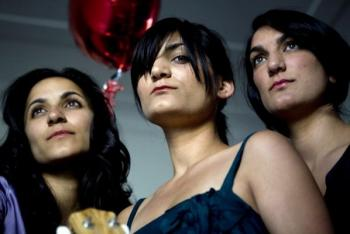 The Sami Sisters – Happy Heartbreak! (Parrot Diva Grump/Rhythmethod) CD REVIEW