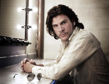 Tex Perkins & The Dark Horses – Tex Perkins & The Dark Horses (Dark Horse/Rhythmethod)