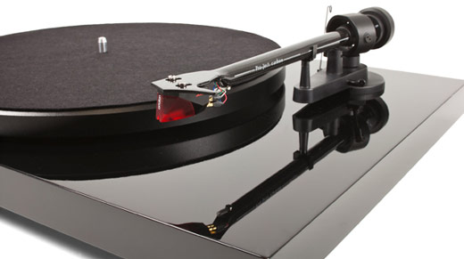 Pro-Ject Debut Carbon Turntable REVIEW
